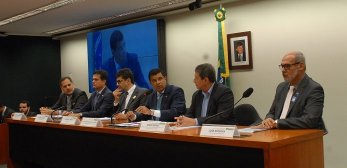 Composição da mesa dos trabalhos na Comissão de Agricultura da Câmara Federal